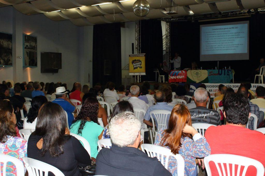 Público quase lotou salão de eventos do Sindmon-Metal [Foto: Wir Caetano/Sindmon-Metal]
